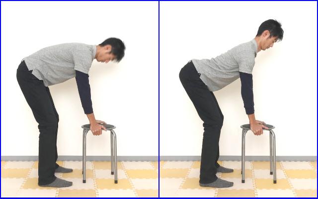 椅子に手をついて背筋を伸ばす練習